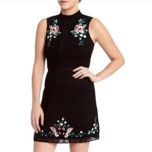 NWT Romeo Juliet Couture Black Embroidered Dress